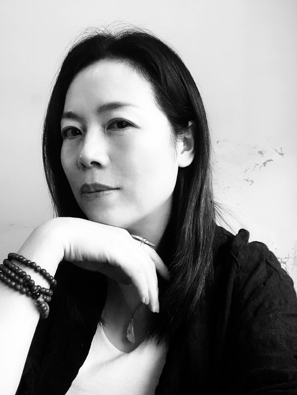杨春芳艺术总监  设计师